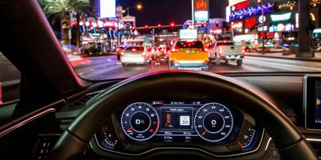 В Лас-Вегасе начал действовать сервис с информацией о светофорах для Audi A4 и Q7