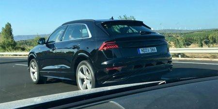 """Фотошпионы """"поймали"""" кроссовер Audi Q8 на дорожных тестах без камуфляжа"""