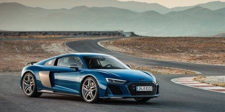 Audi представила обновленные купе и кабриолет R8 второго поколения.
