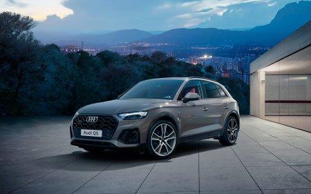 В России стал доступен к заказу обновленный кроссовер Audi Q5  и его спортивная версия SQ5